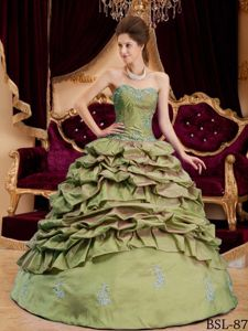 Olive Green Sweetheart Appliques Sweet 16 Dresses with Pick-ups