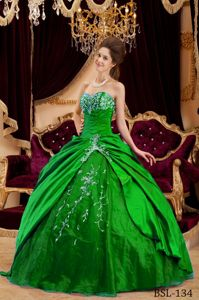 Best Green Ball Gown Dresses for a Quinceanera with Embroidery