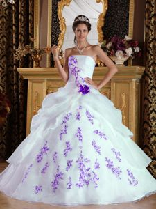 Sweet White Strapless Appliques Quinceanera Dresses in Organza