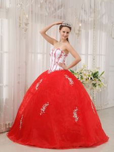 Chic White and Red Sweetheart Appliques Ball Gown Quince Dresses