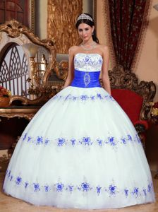 Elegant White and Royal Blue Strapless Appliques Quince Dresses