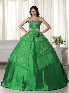 Chic Strapless Embroidery Taffeta Green Quinceanera Party Dress