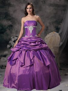 Ball Gown Strapless Pick-ups Appliqued Purple Dresses for 15