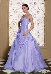 2013 Taffeta Beaded Lilac Quinceanera Gown Dress for Wholesale