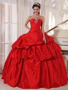 Traditional Pick-ups Beaded Red Quinces Dresses for Wholesale