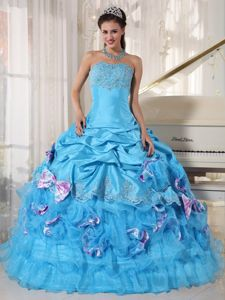 Exquisite Appliqued Aqua Blue Sweet 16 Dresses with Bowknots