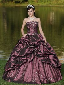 Pretty Taffeta Pick-ups Appliqued Dress for Sweet 16