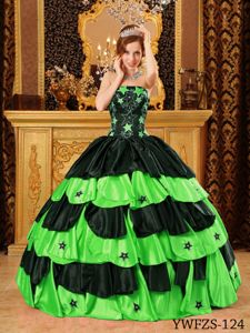 Two-toned Sweet Sixteen Dresses with Star-shaped Decoration