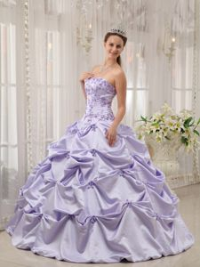 Elegant Lilac Pic-ups Strapless Dresses for a Quince with Appliques