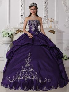 Eggplant Purple Strapless Embroidery Pick-ups Sweet 15 Dresses
