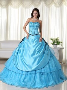 Aqua Blue Embroidery Strapless Sweet 16 Dresses with Black Hem
