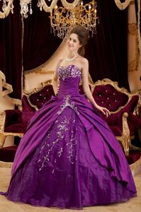 Newest Beaded Ball Gown Sweetheart Taffeta Dress for Quinceanera