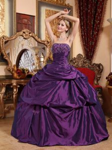 Strapless Dress For Quinceanera in Dark Purple with Beading