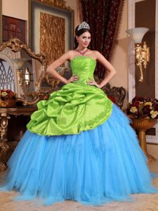 Spring Green and Blue Strapless Appliqued Quinceanera Gowns