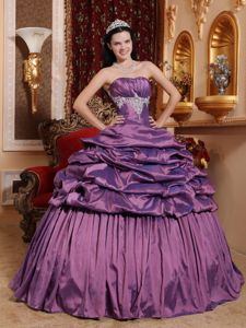 Sweet Sixteen Quinceanera Dresses in Purple with Appliques