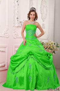 Spring Green A-line Quince Dress by Taffeta with Beading and Appliques