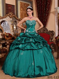 Teal Taffeta Quinceanera Gown with Sweetheart Neckline and Appliques