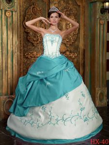 Turquoise and White Satin Quinceanera Dress with Embroidery and Appliques