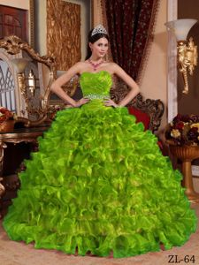 Spring Green Sweetheart Quinceanera Gowns with Ruches and Ruffled Skirt