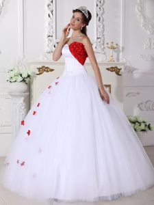 White and Red Dress For Quince with Flowers Decorate Bust and Appliques