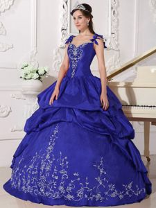 Noble Straps Royal Blue Quinceanera Party Dress with Embroidery