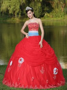 Sash Decorate Appliques Red Strapless Ruffled Dress for Sweet 16