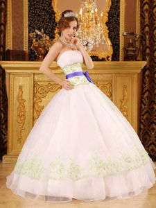 Lovely White Embroidery Dress for Sweet 15 with Purple Ribbon