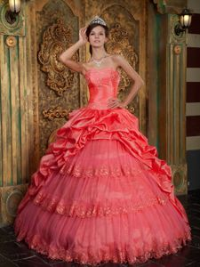 Lace Hem Watermelon Multi-tiered Pick-ups Sweet 16 Dresses