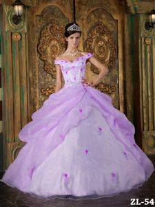 Chic Lavender off Shoulders Ruffled Appliqued Quince Dresses
