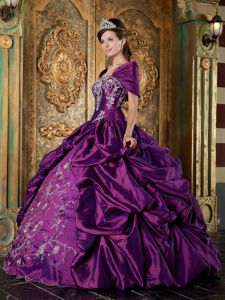 Eggplant Purple Taffeta Embroidery Quinceaneras Dresses with Pick-ups