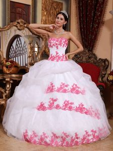 White Ball Gown Strapless Sweet Sixteen Dresses with Appliques