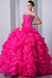 Breathtaking Hot Pink Sweetheart Beaded Ruffled Dresses Of 15