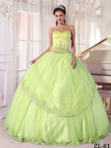 Cheap Appliqued Yellow Green Quinces Dresses with Lace Hem