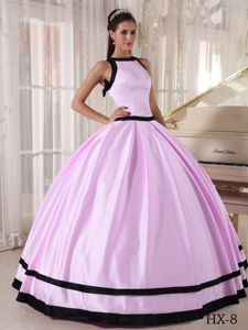 Bateau Neck Baby Pink Sweet Sixteen Dresses with Black Hem