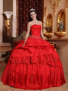 Sophisticated Red Sweetheart Embroidery Quinces Dresses in Taffeta