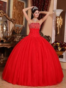 Tulle Red Quinceanera Gowns with Appliques and Beading in Fashion