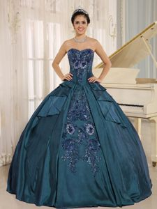 Chic Sweetheart Bodice Teal Embroidery Quinceanera Party Dress