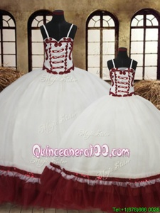 Free and Easy Straps Straps Sleeveless Floor Length Beading Lace Up 15 Quinceanera Dress with White and Wine Red