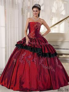 Popular Two-toned Ruffled Quinceanera Dresses with Appliques