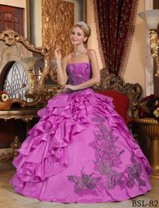 Attractive Light Plum Ruffled Quinceanera Gowns with Appliques