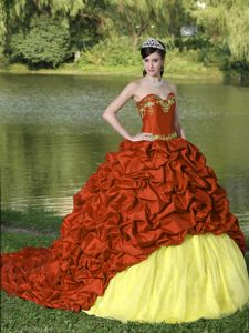Chic Appliqued Two-toned Dresses for a Quince with Pick-ups