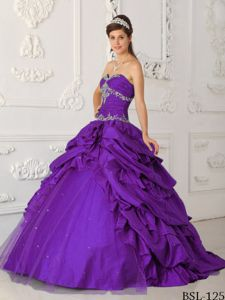 Violet Sweetheart Dresses for Quince with Appliques and Pick-ups
