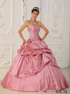 Elegant Strapless Pick-ups Quinceanera Gown with Beading Bodice