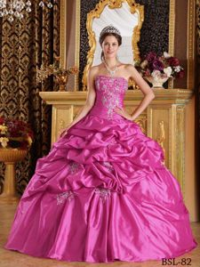 Fuchsia Ball Gown Appliques Pick-ups Quinceanera Gown in Taffeta