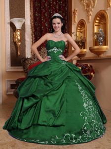 Popular Sleeveless Quinceanera Gown In Saint Johns Of Canada And ...