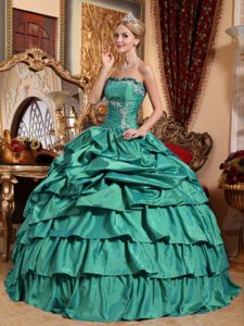 Beaded and Appliques Pick-ups Sweet Fifteen Dresses in Turquoise