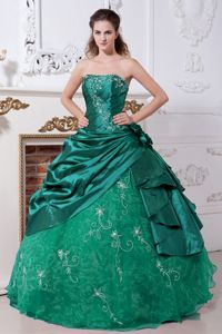 inexpensive Hunter Green Sweet Sixteen Dresses with Embroidery