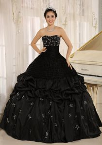 Strapless Pick Ups Appliqued Ball Gown Black Sweet 16 Dresses