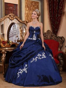 Sweetheart Blue Taffeta Quinceanera Gown with Appliques and Pick-ups