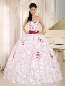 2014 New Avril Lavigne Ruffled White and Red Quinceanera Party Dress with Ribbon